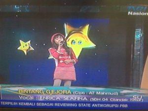 Enrica Seavina at Ayo Bernyanyi TVRI  Sekolah SDN 04 Cilandak Timur